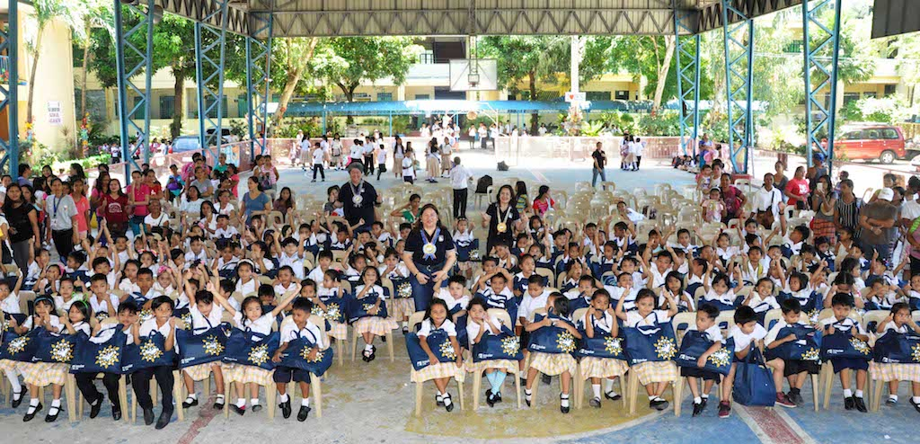 Public school children of Muntinlupa receive Six Years of Educational Help from Insular Life Employees