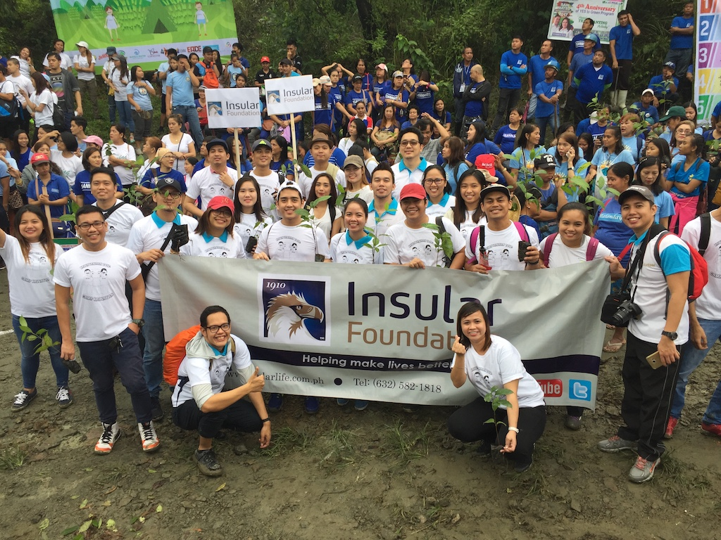 Insular Life volunteers participate in 2017 World Bamboo Day
